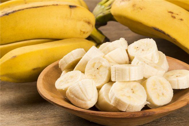Благотворное влияние на здоровый сон бананов во многом обусловлен вхождением триптофана, который нормализует суточные биоритмы человека