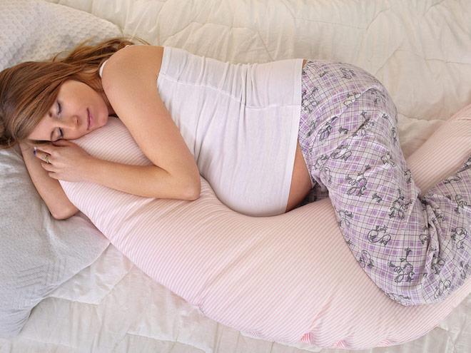 Поза для сна беременным